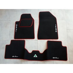 KIT TAPPETI SPECIFICI IN MOQUETTE PER ALFA ROMEO GIULIETTA